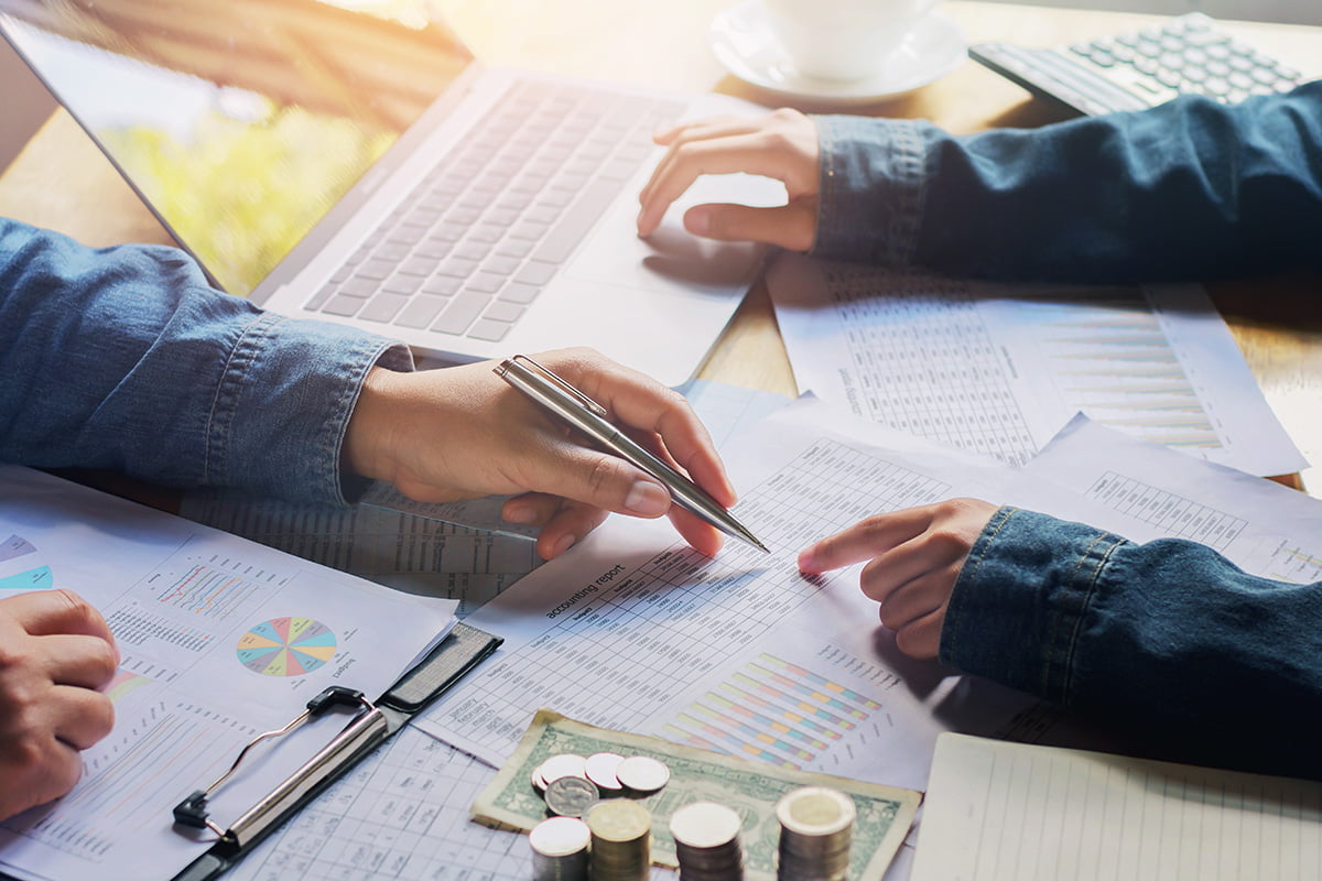 Planning fore retirement with a financial adviser